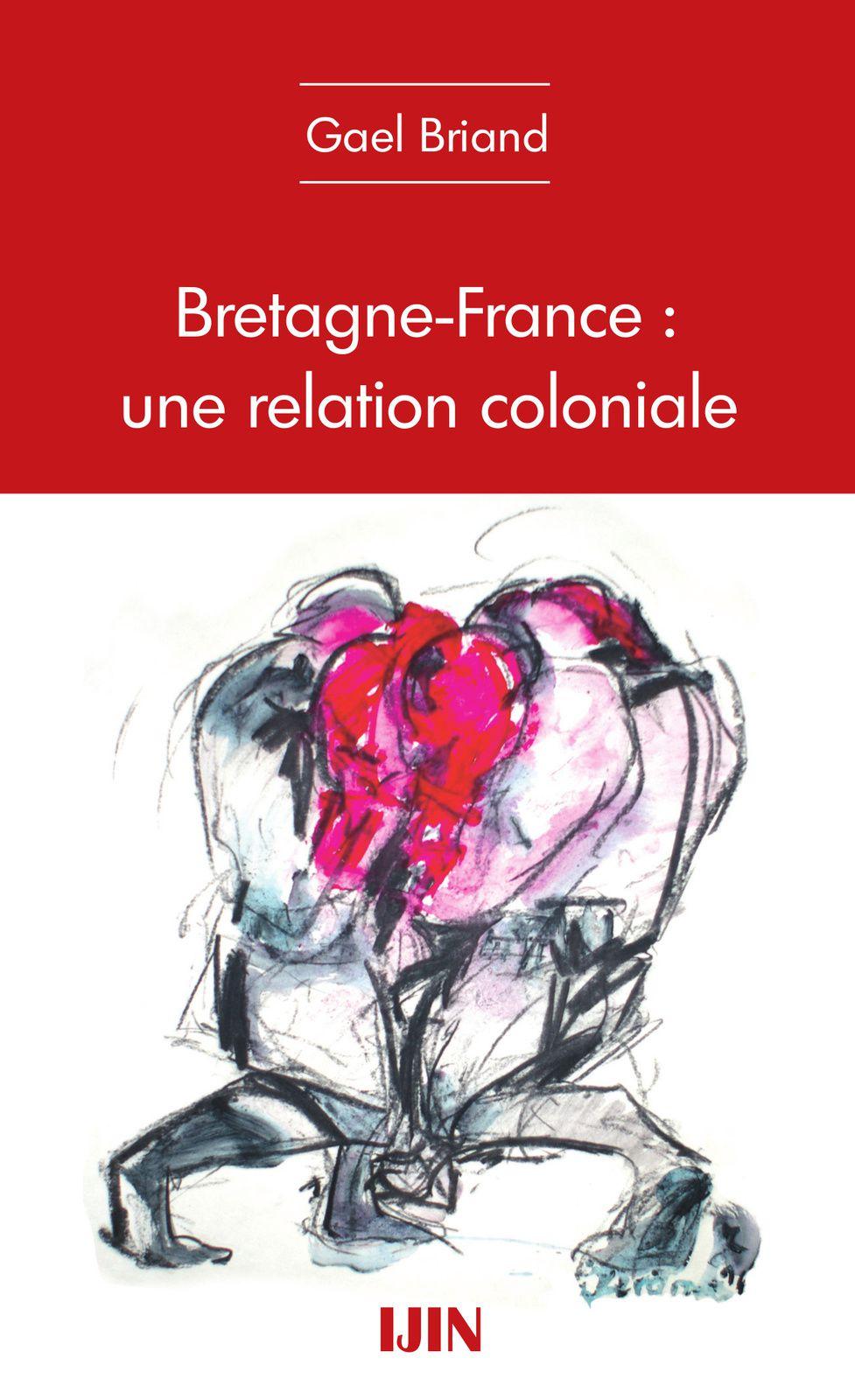 """A paraître fin avril, mon premier essai intitulé """"Bretagne-France: une relation coloniale"""".    « L'affirmation du soi du colonisé, née d'une protestation, continue de se définir par rapport à elle. En pleine révolte, le colonisé continue à penser, sentir et vivre contre et donc par rapport au colonisateur et à la colonisation […]. » Albert Memmi    C'est à partir de cette phrase que Gael Briand, rédacteur en chef du mensuel Le Peuple breton, brosse le rapport dominant-dominé existant entre l'État d'un côté et la Bretagne de l'autre. Car, loin d'être terminé, ce rapport colonial pressenti en Bretagne dès les années soixante continue de s'exprimer au xxie siècle. Plutôt que de réagir et donc de rejeter la France, il invite les Bretons à proposer et donc définir un projet de société breton.     En remettant au goût du jour le rapport dominants-dominés, un peu trop rapidement abandonné, Gael Briand souhaite aussi redonner du contenu à une gauche qui, poussée par un courant libéral de plus en plus prononcé dans ses rangs, renonce petit à petit à ses valeurs. Il en profite pour revisiter certains concepts comme l'État, le colonialisme…    Editions IJIN, 56 pages, 6 €"""