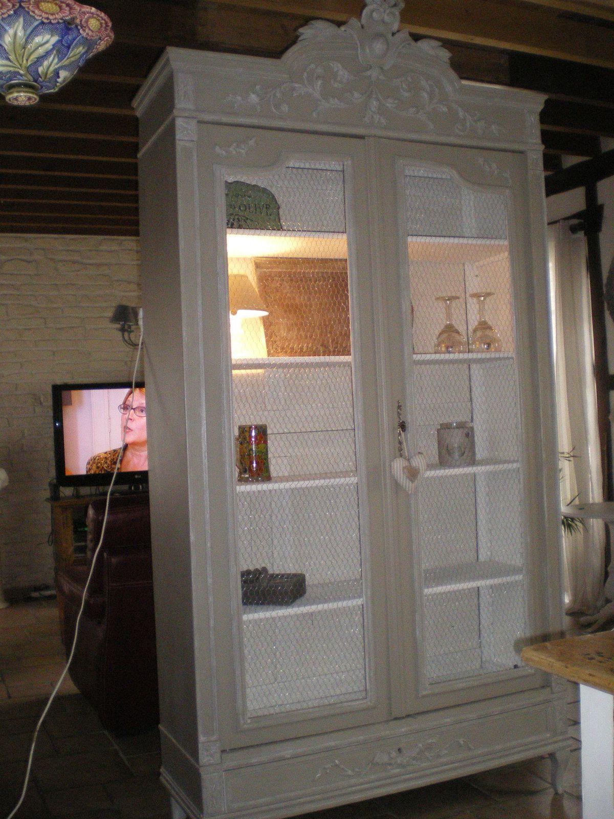armoire deux portes vendue charme et. Black Bedroom Furniture Sets. Home Design Ideas
