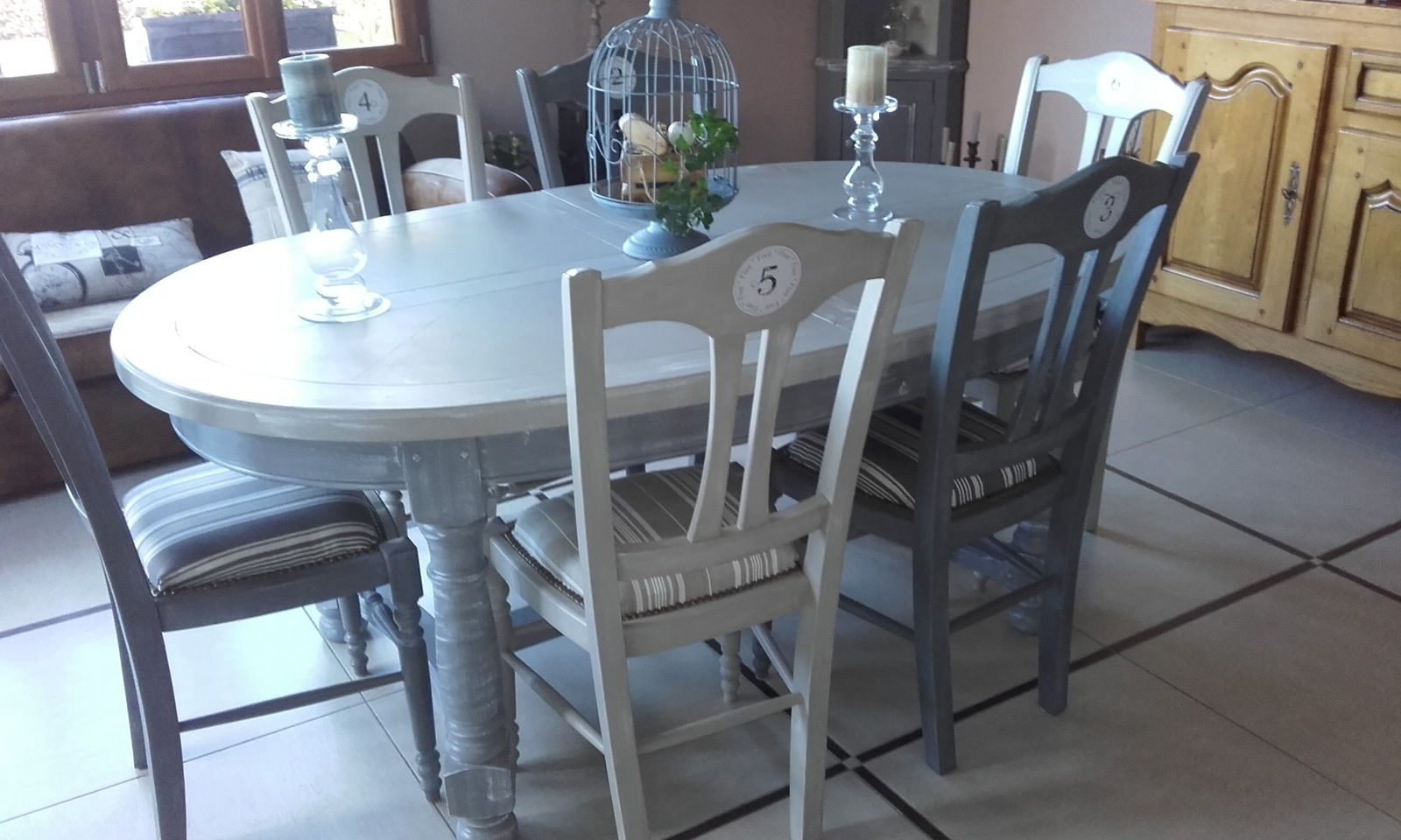 Table de salle manger couleur taupe et gris anthracite charme et patines - Table a manger taupe ...