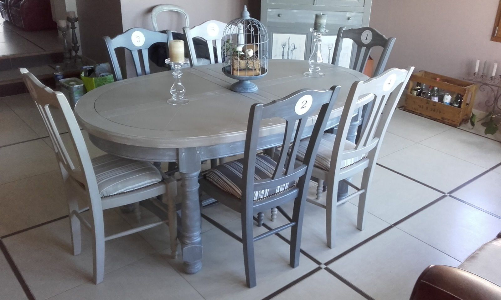 Salle a manger couleur taupe meilleures images d for Salle a manger taupe