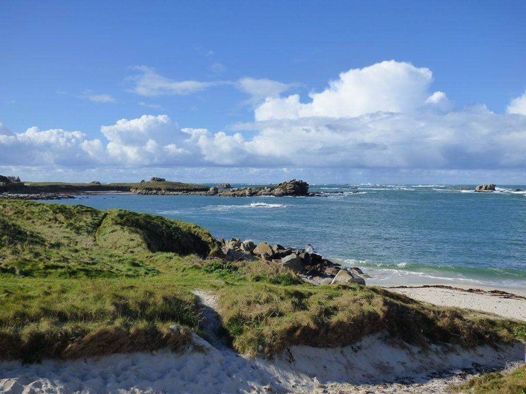 En face de l'île Carn