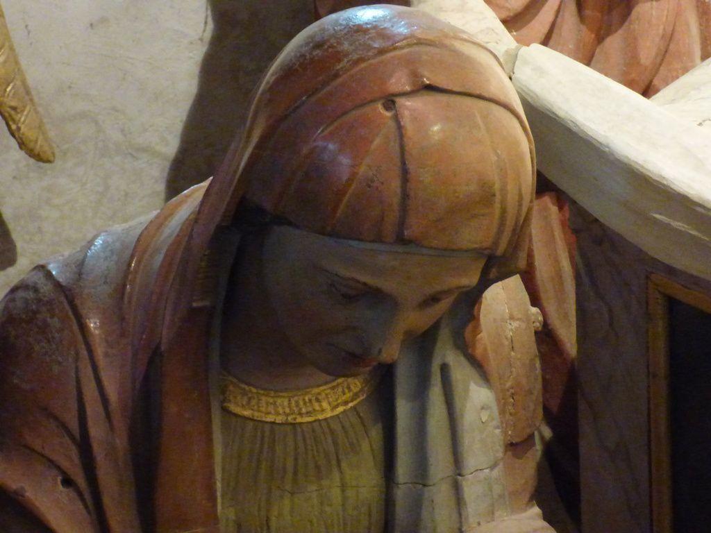 L'ossuaire, détails de la voute et des anges, le retable de St Joseph, La mise au tombeau dans la crypte