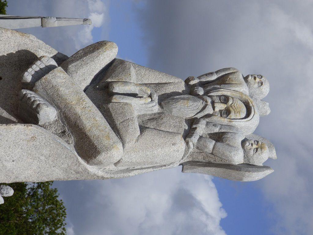 Allons voir la belle Azenor, gardienne de la Vallée des Saints