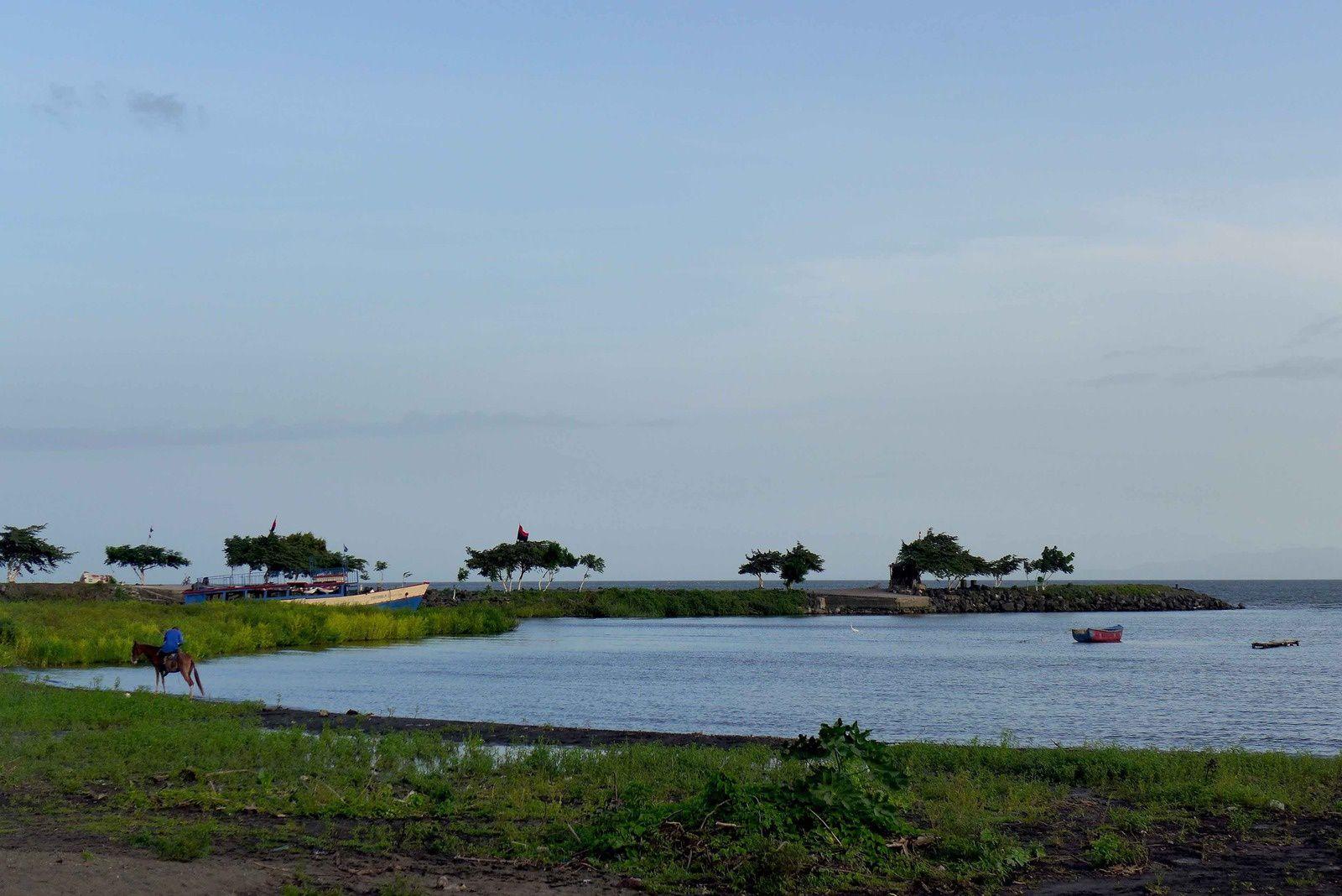 Lieu de notre premièer campement sur une île , pas mal non ?