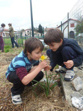 2013 : Le Jardin du Trocoeur en photo avec les enfants