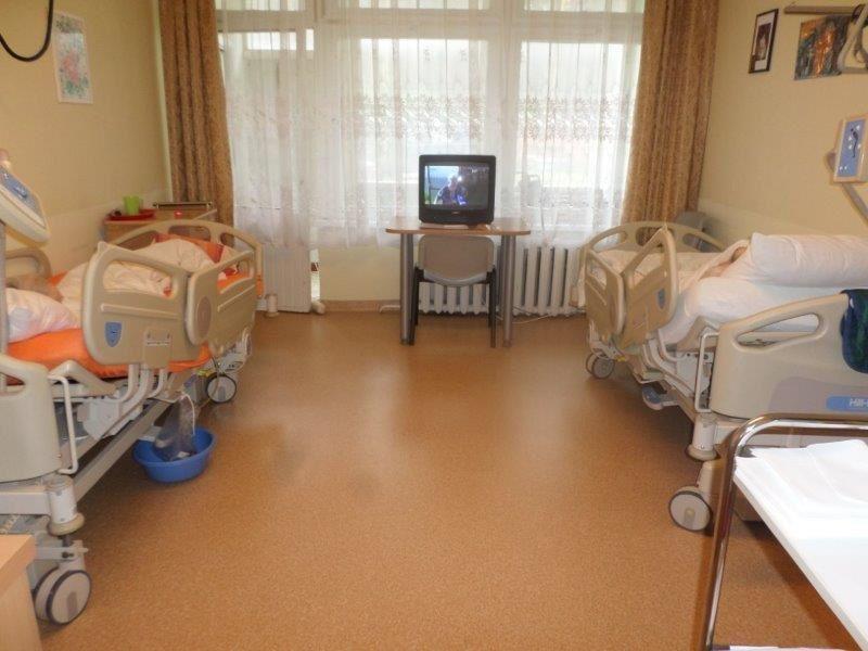 Les lits médicalisés électriques et les matelas sont la priorité des institutions, pour le confort des résidents mais aussi des personnels soignants qui peuvent ainsi soulager leur dos.