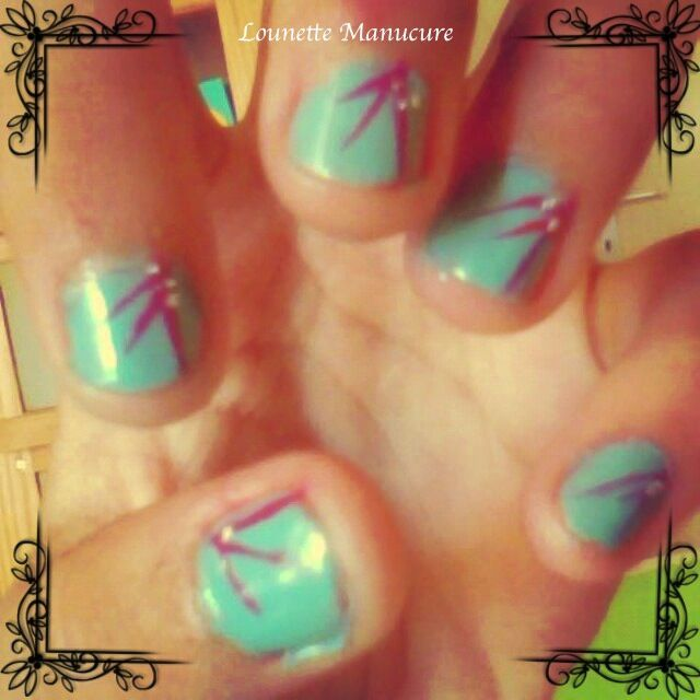 Reproduction Nail Art - Petite plante de Heloise