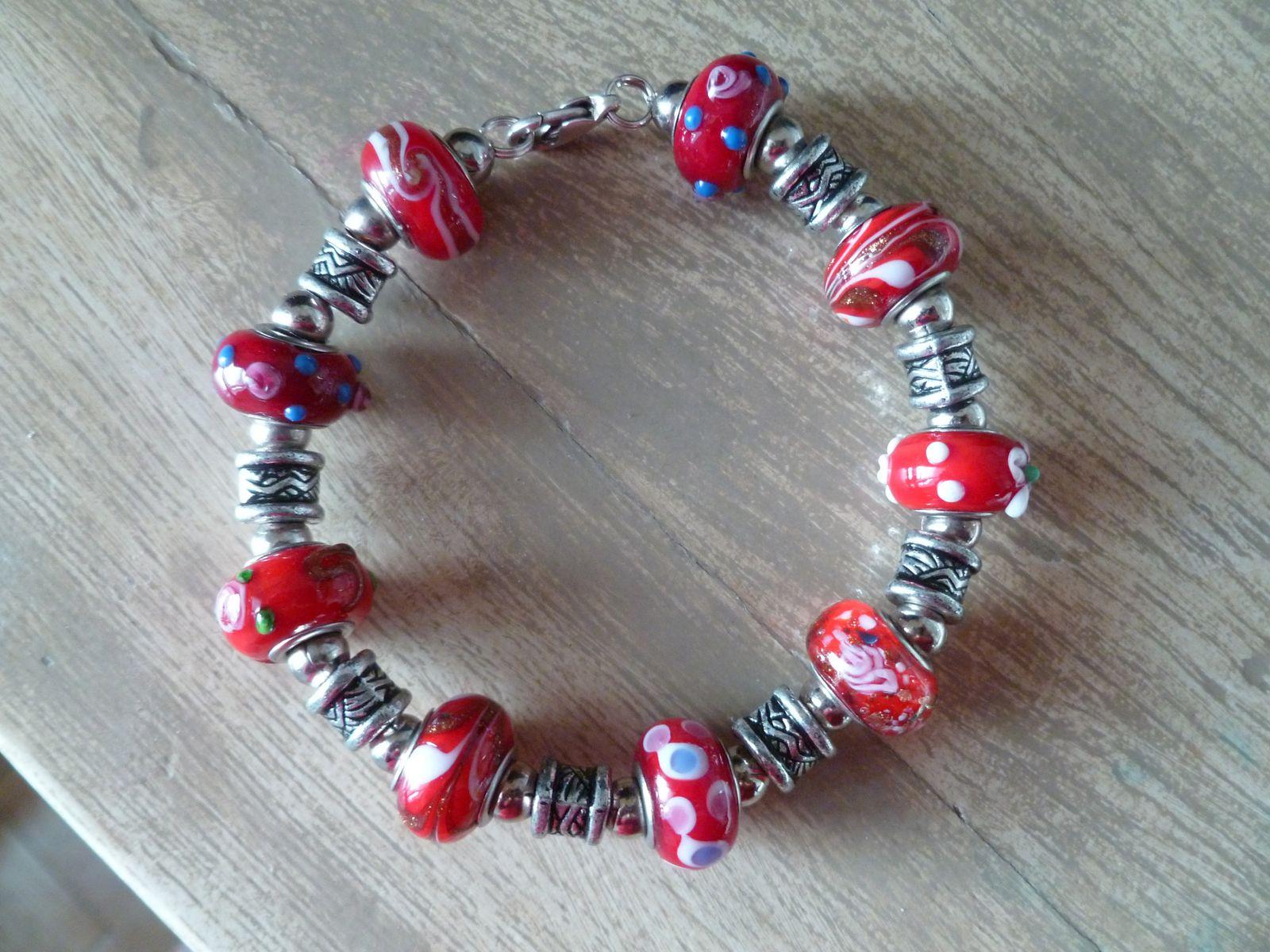 bracelet en perles de verre pandora.