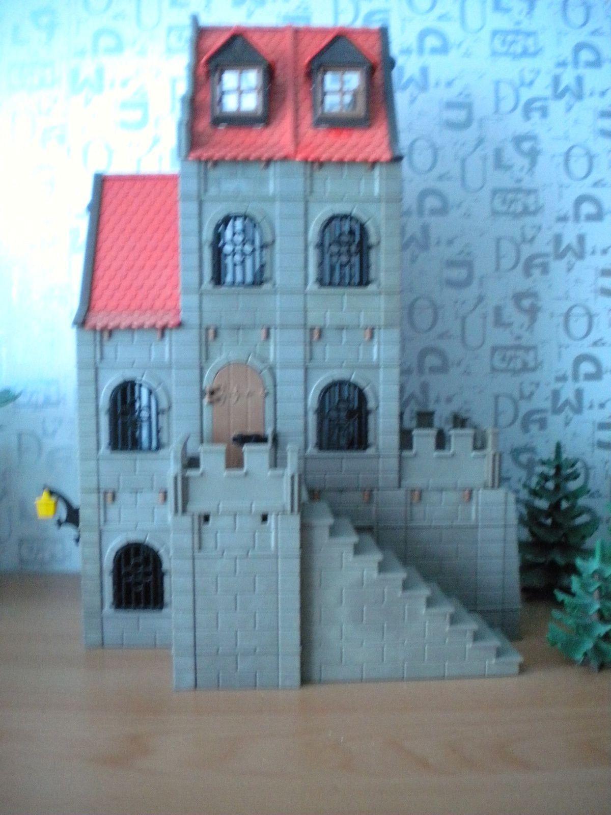 A chateau, chateau et demi ...