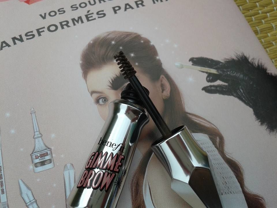 benefit et son gimme brow, le mascara à sourcils qui change tout.....