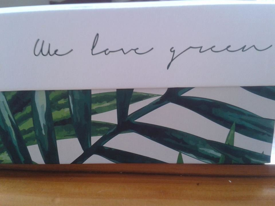 "hello april and the new glossybox "" we love green""including  natural/organic cosmetic"