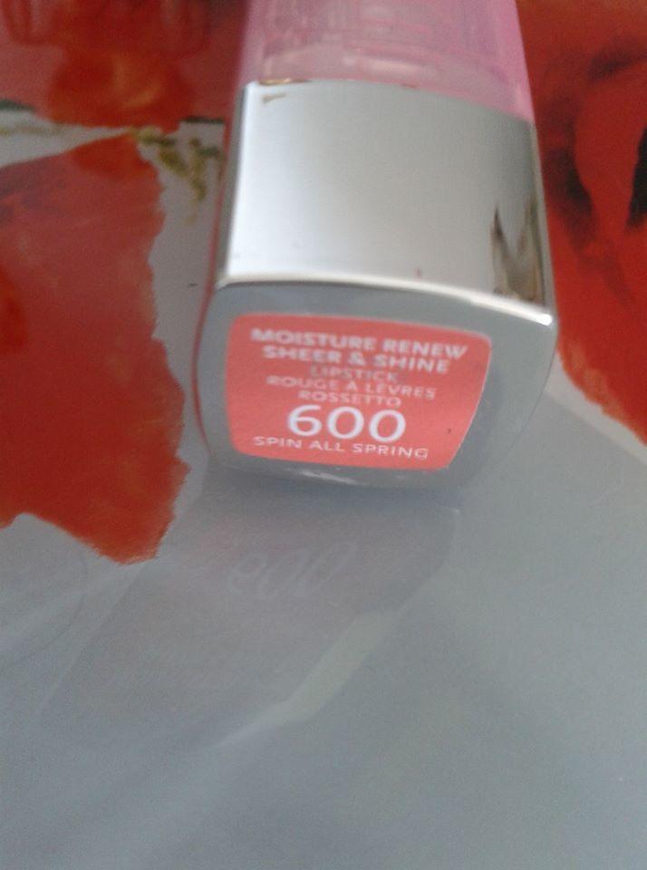 regardez-moi ce ral, de la marque rimmel,en teinte rossetto 600, sublime, un joli corail
