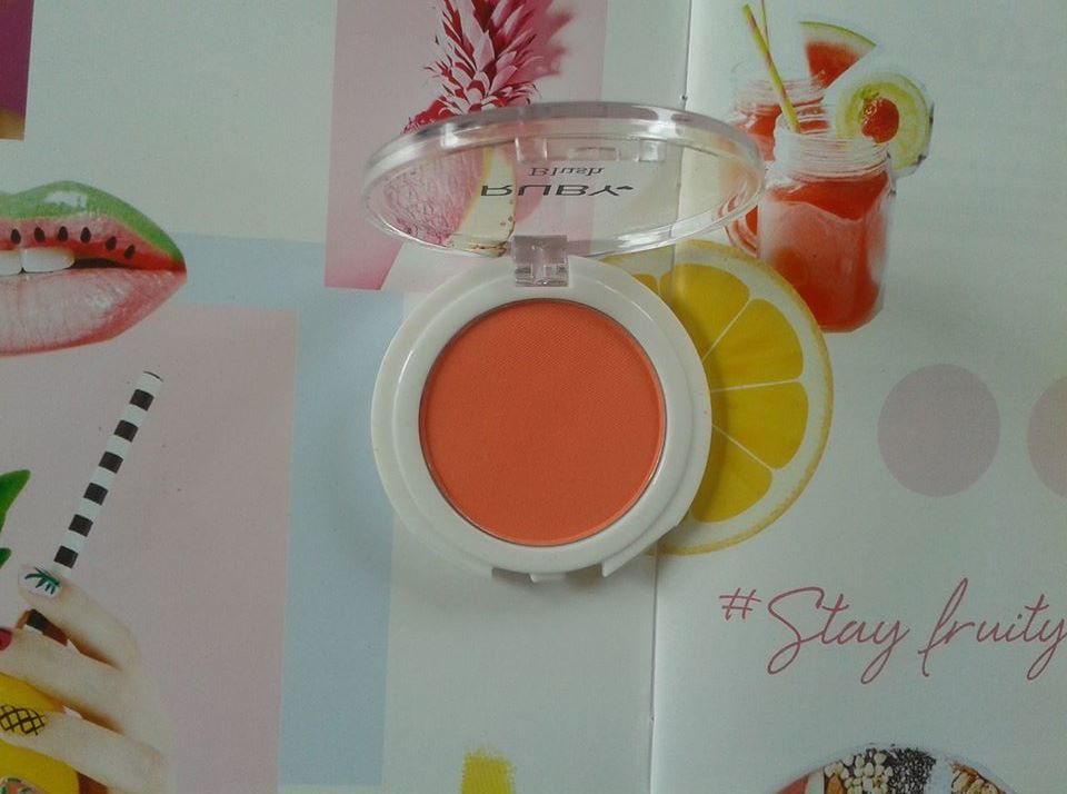 """fruity edition"" makeup with this nice  coral blush by  ruby cosmetics, make-up avec spendide blush dans les tons corail, par ruby cosmetics...."
