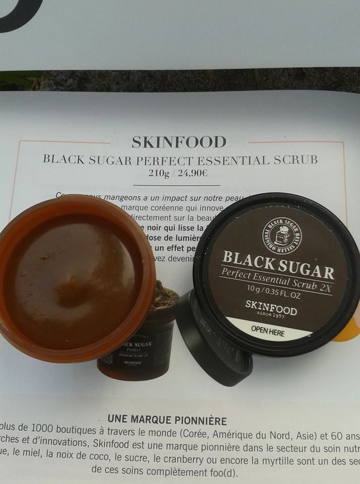 skinfood brand and its black sugar perfect essential scrub for face, la marque skinfood et son masque gommant au sucre noir