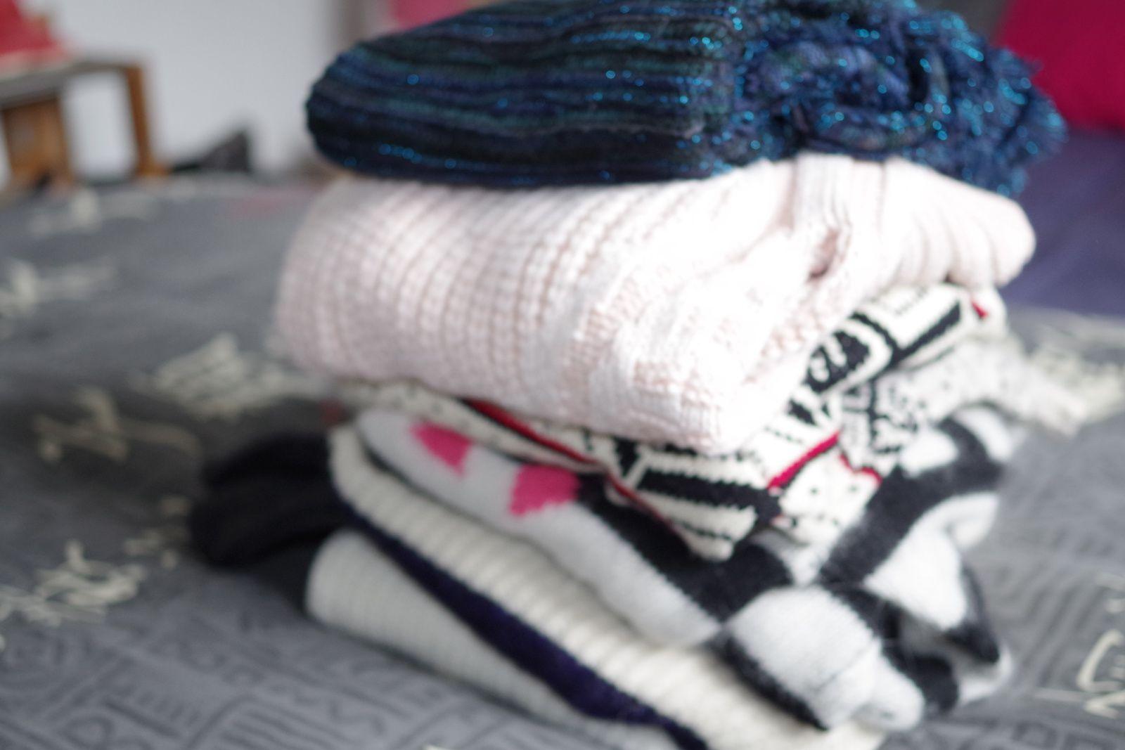 Chauds, extrêmement doux, ces pulls ne me quittent plus l'hiver ou à ces quelques moments d'incertitudes météorologiques...