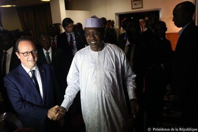 Hollande au Tchad : comment Idriss Déby est redevenu le meilleur ami de la France