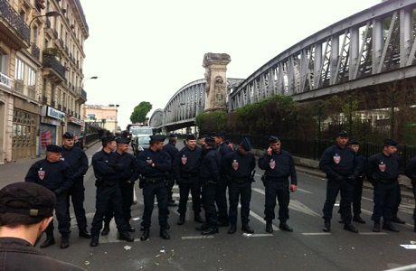 Réfugies de la Chapelle (Paris): Entre racisme et indifférence au pays des Droits de l'Homme