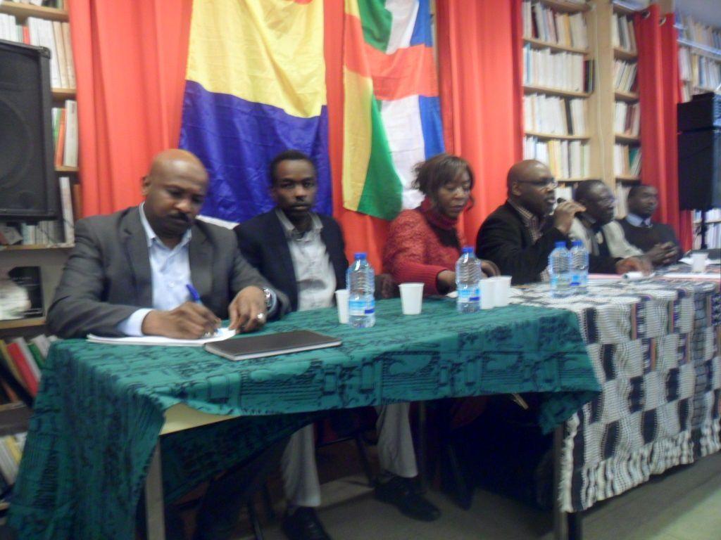 Une conférence de presse tenue à Paris sur la crise en RCA