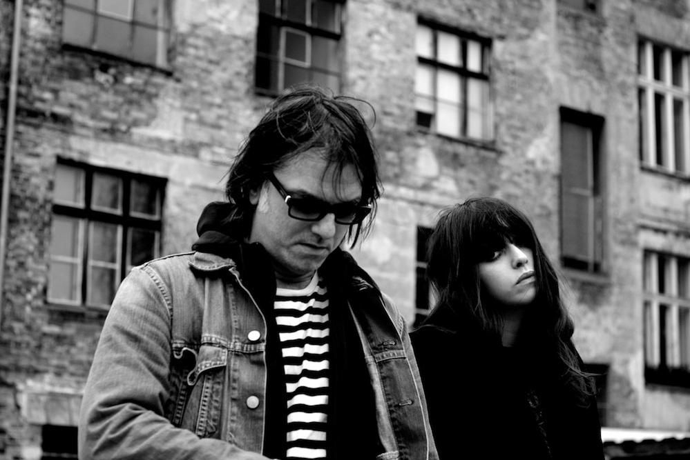 Tess Parks &amp&#x3B; Anton Newcombe - I Declare Nothing