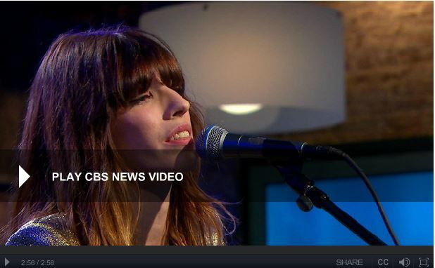 Lou Doillon performs &quot&#x3B;Where to Start&quot&#x3B; @ The Music Box