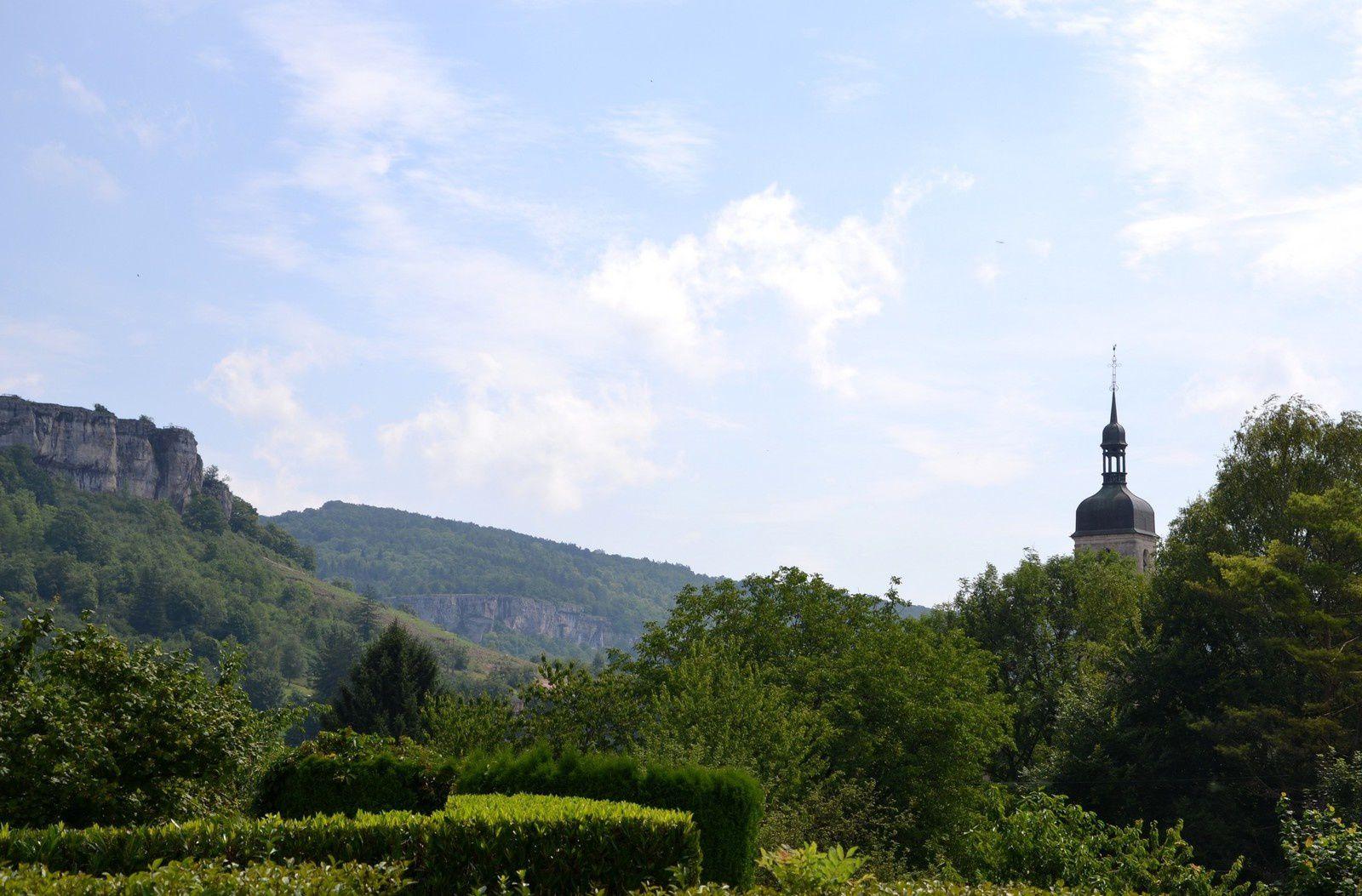 Le musée, le centre puis montée à la Roche Bottine