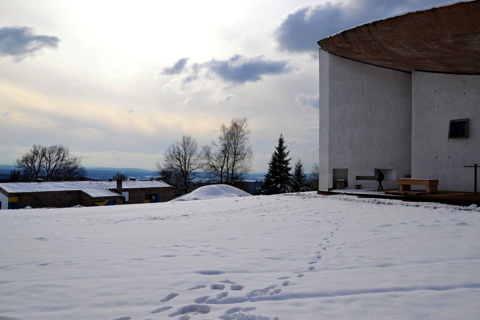 Neige chez Le Corbusier - Ronchamp -  en hiver