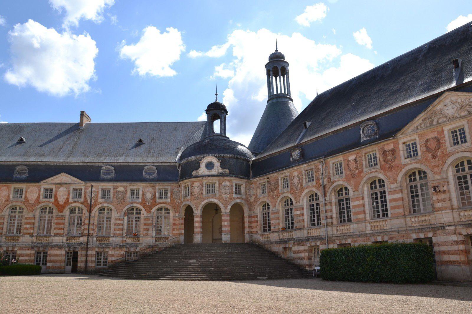 Le château de Saint-Fargeau   -   Yonne