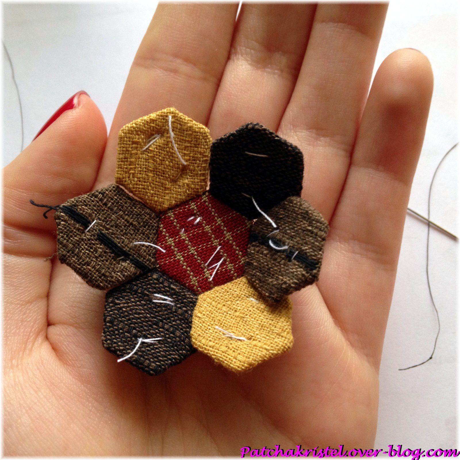 porte-monnaie hexagones - hexagones en construction avec gabarits inmapatchwork