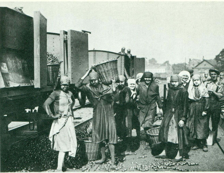La mine et les mineurs aux 18ième et 19 ième siecles à travers la presse et les livres