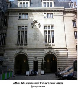 La mairie du 8ième arrondissement, la rue Cail actuelle, affiche du theâtre des bouffes du Nord