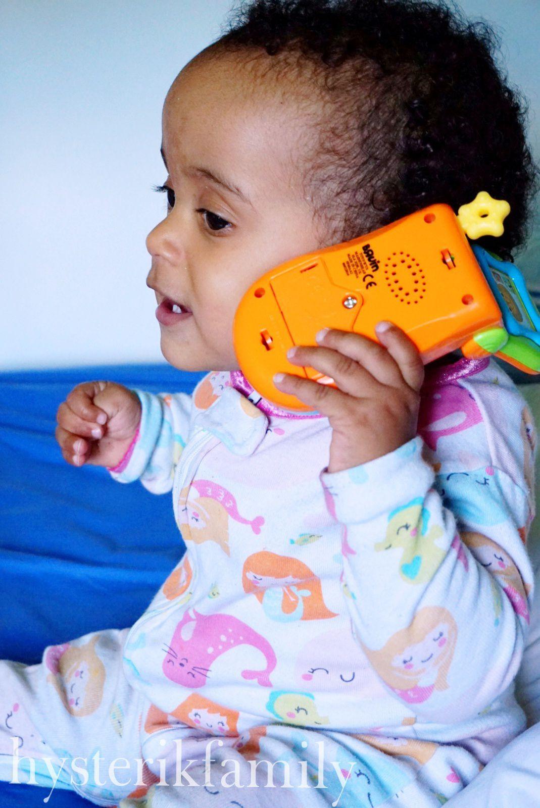 Jeu d'imitation #3 : jouer à faire &quot&#x3B;alo&quot&#x3B; au téléphone