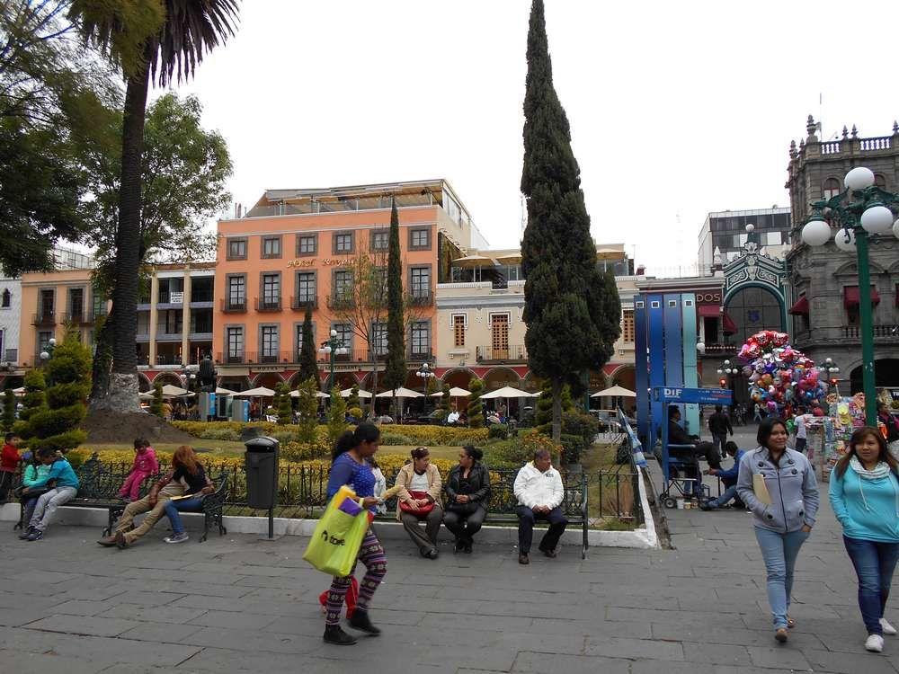 Aimable Zocalo avec sa fontaine, ses statues et ses ombrages appréciés des habitants