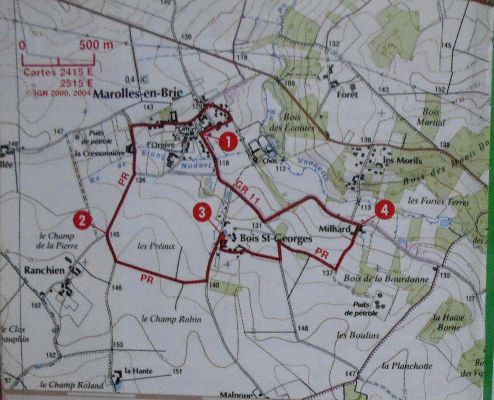Plutôt agréable, la balade de 6 km proposée par le topo-guide de la région sous le nom d'itinéraire des Sources de Marolles-en-Brie a été accomplie avec mon aînée Valérie et aussi Christian, sans oublier le chien Banban...