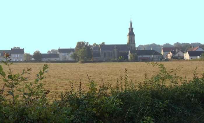 Charmant bourg de Tavernay au bord du Ternin