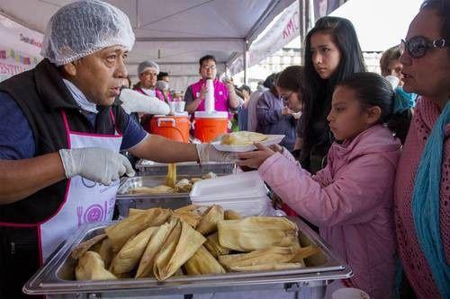 Dégustation géante de tamales pour la Chandeleur à Mexico