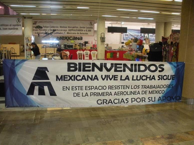 Les anciens personnels et retraités d'une compagnie aérienne disparue manifestent toujours dans l'aéroport de Mexico