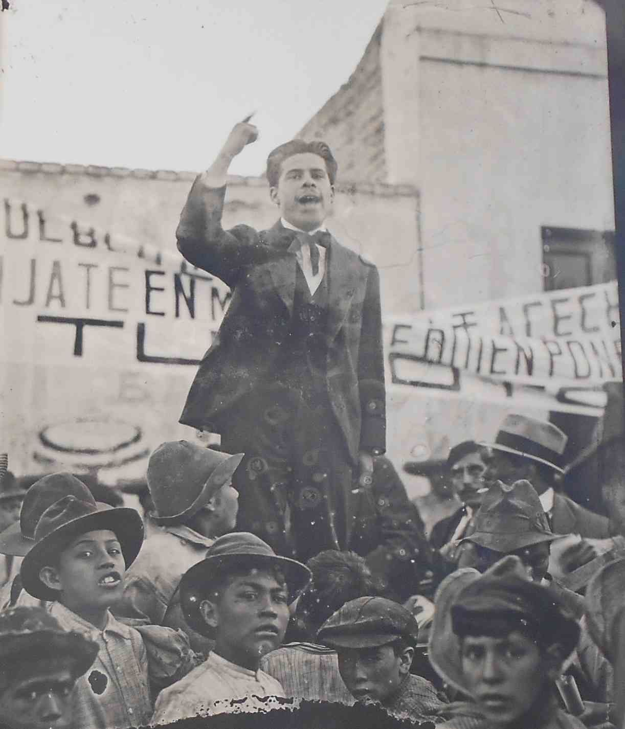 Quand le Mexique raconte, en plein air, et en photos, le centenaire de sa constitution politique