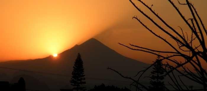 Etonnante lumière sur le Popocatepetl