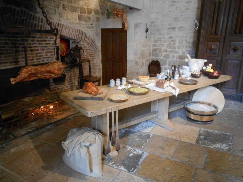 Le château du Clos de Vougeot créé par l'abbaye de Citeaux : un lieu inoubliable