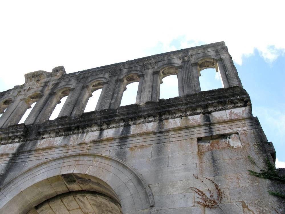 Les Autunois empruntent toujours une porte romaine de plus de 2000 ans