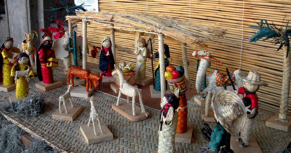 D'Eduardo, de Jiutepec, une crèche en fibres végétales tressées (de palmier)