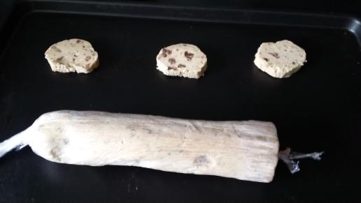 2 ème astuce : on fait des ptits feuilletés des brics ou même des cookies en avance et pareil hop au congelo !
