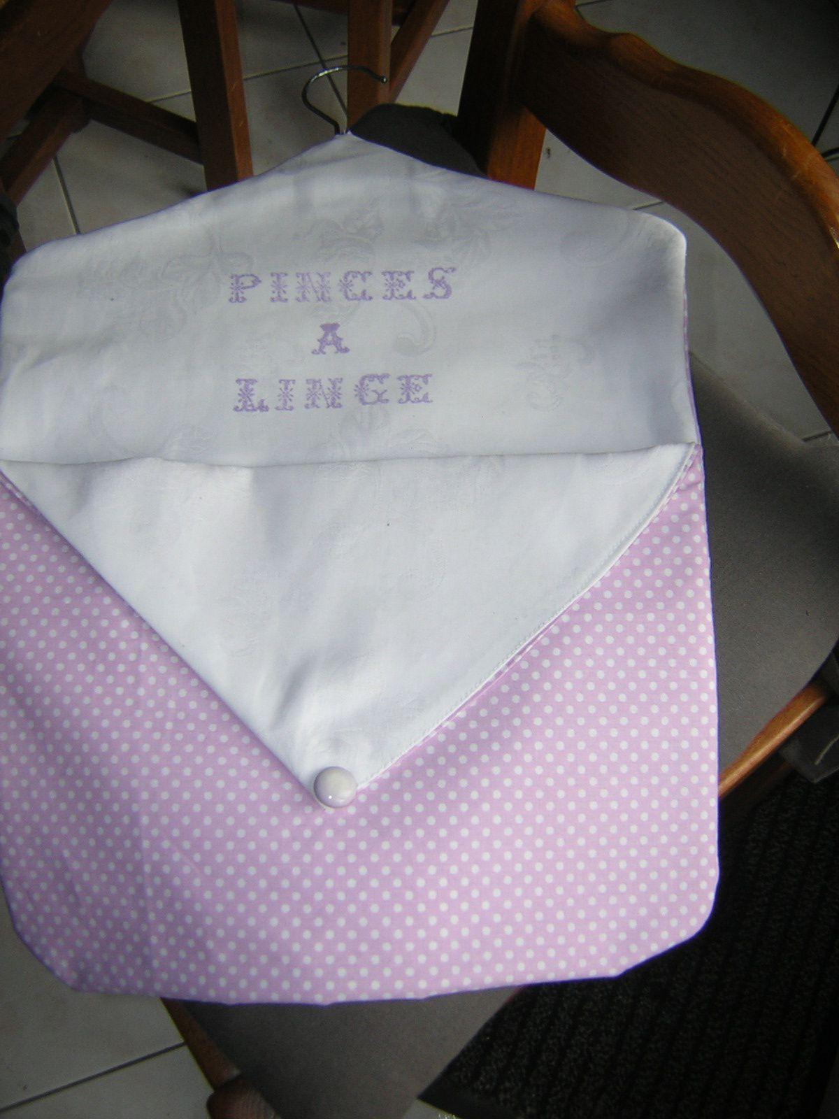 """tuto de by séverine pour le sac de pince à linge. tampons """"lettre couture"""" et encre tissu de chez Tamporelle"""