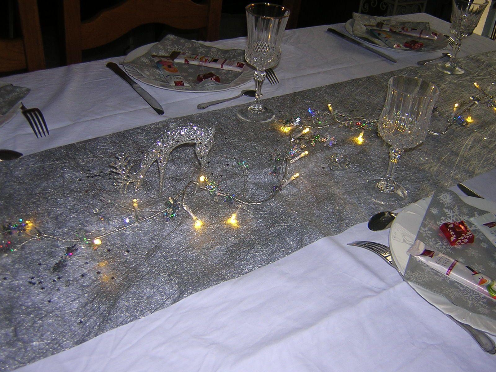 ma table de fêtes et qq nouvelles de notre Noel