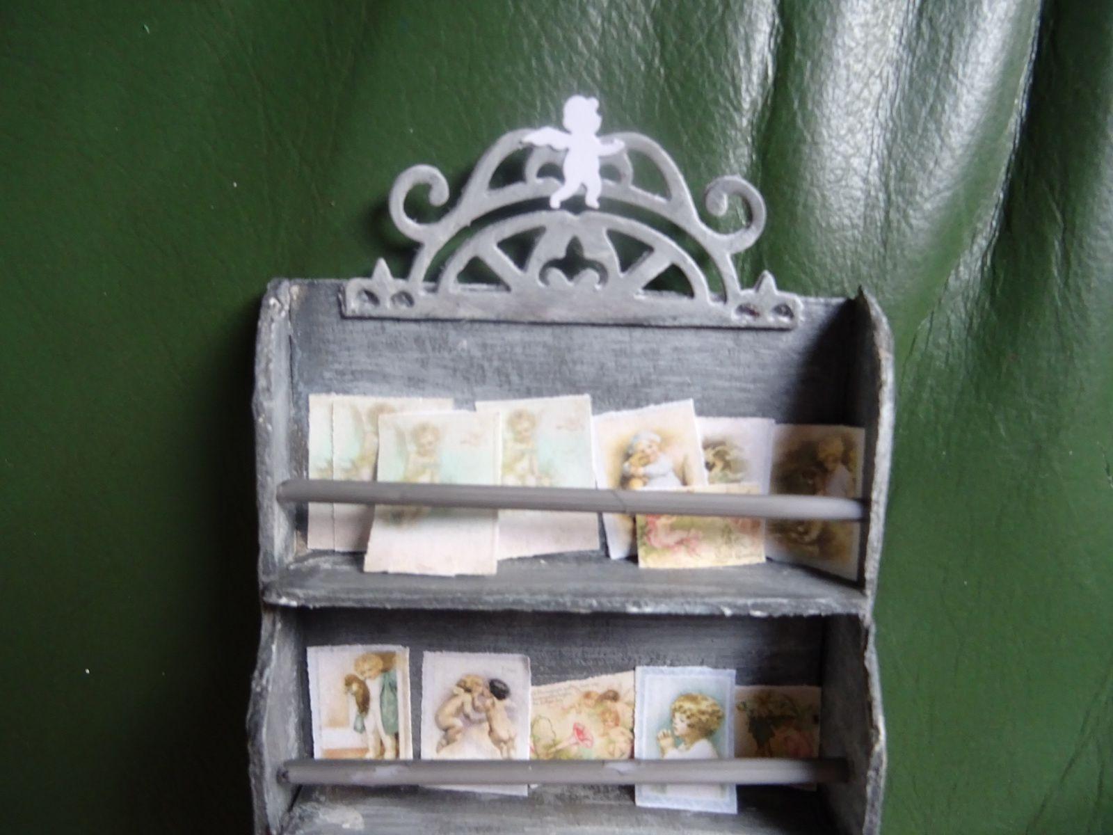boutique des anges : porte cartes postales et essai de moulage