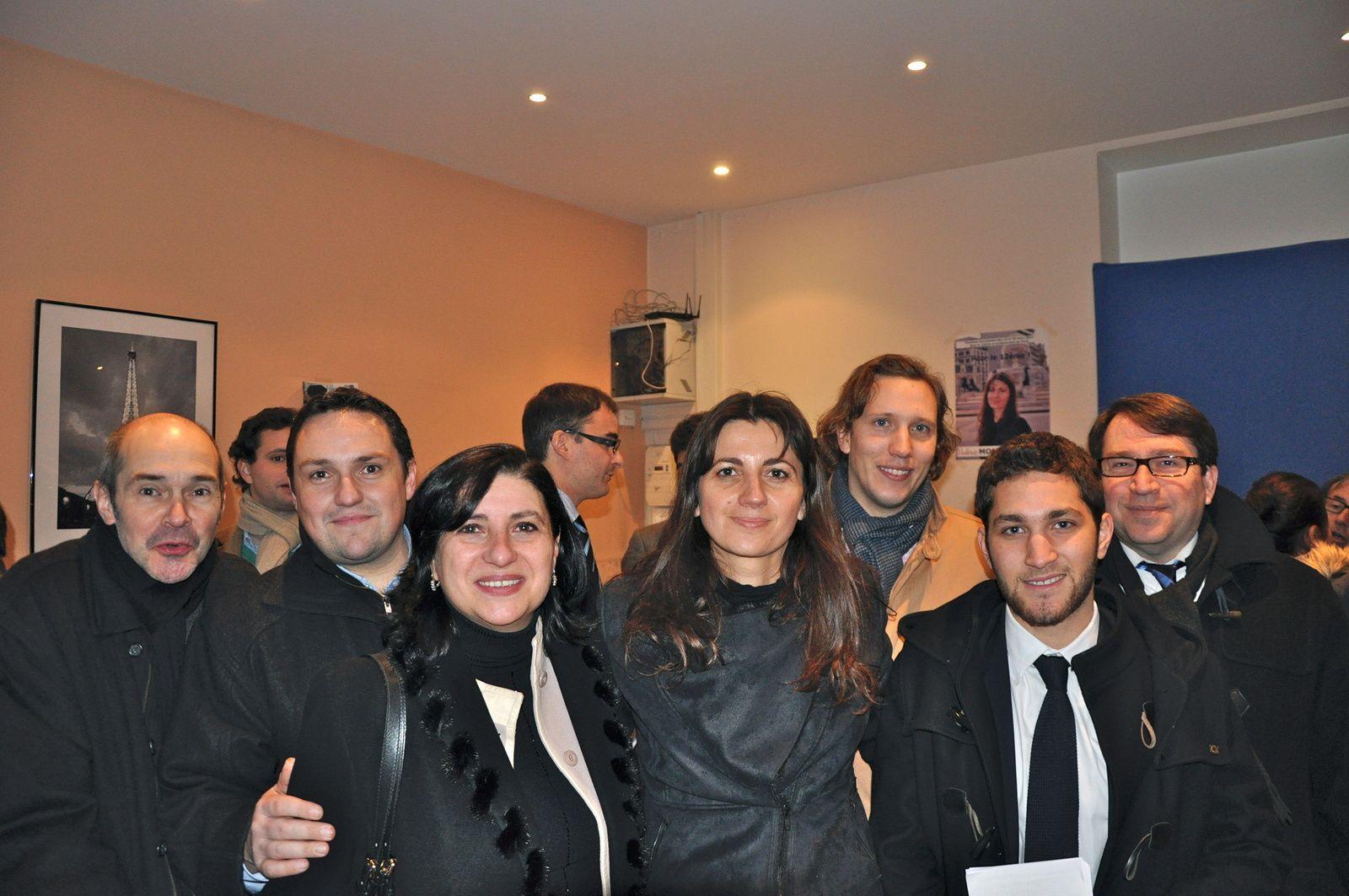 Avec Corinne Tapiero - Conseillère d'arrondissement, Jordan Jablonka - Référent Communication, et les Volontaires du 12ème à l'inauguration de ma permanence