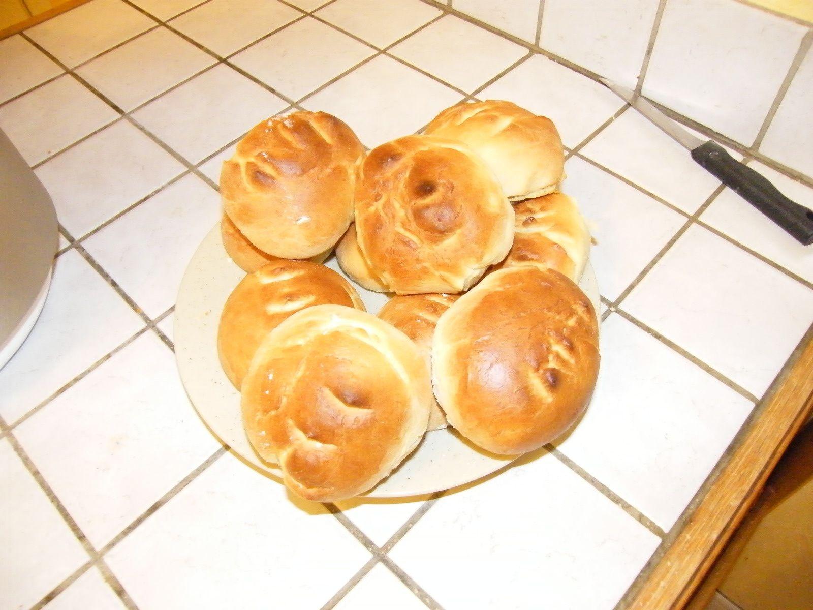 Petits pains au lait avec le companion