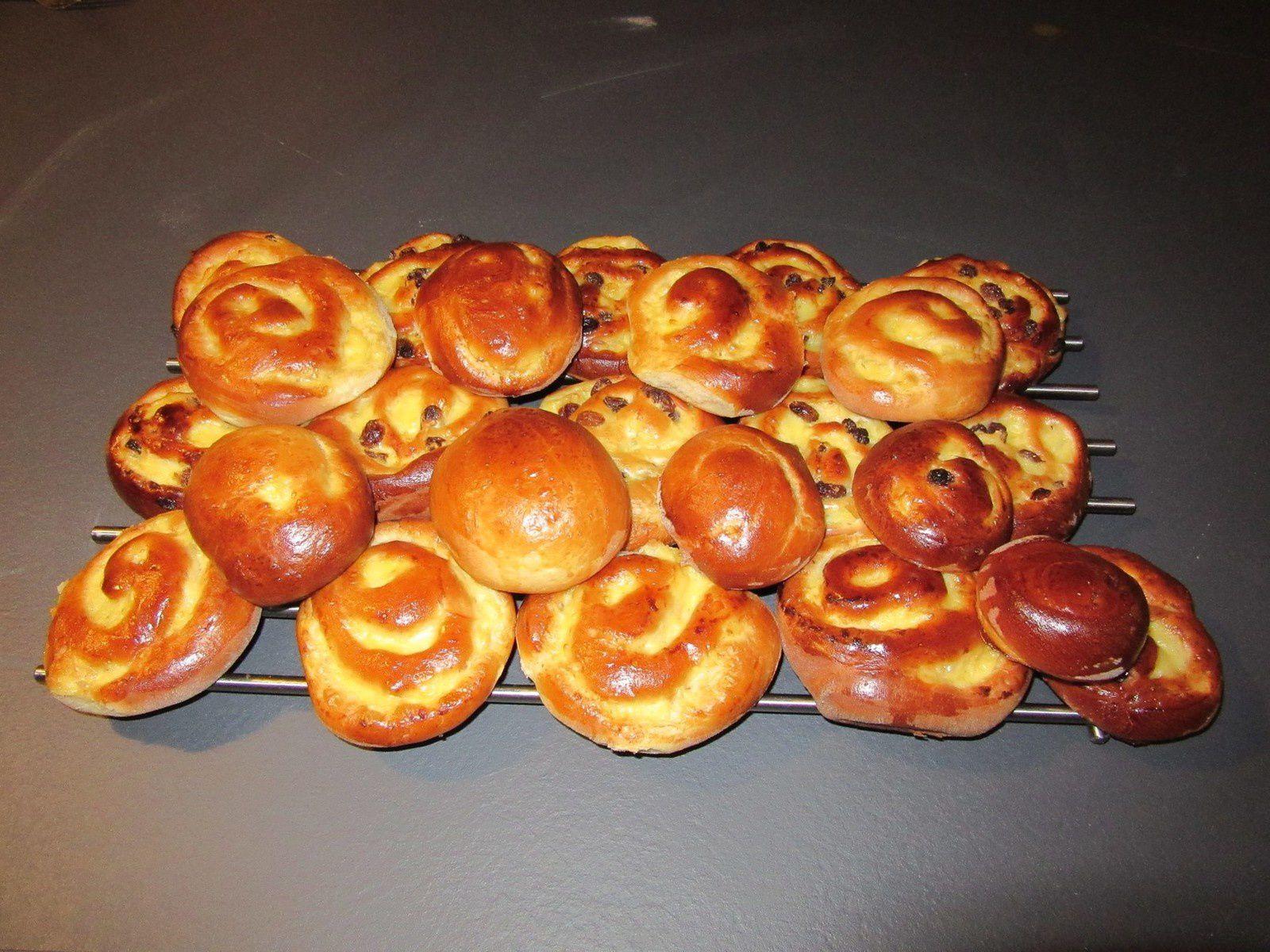 Pains aux raisins ... ou pains sans raisins... les deux sont excellents ...!!!