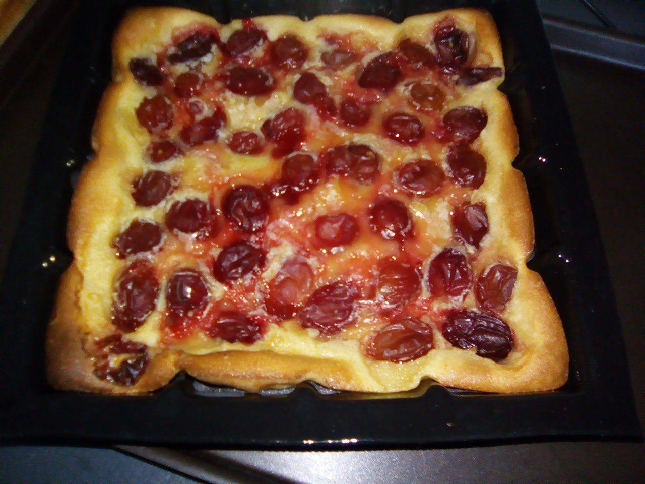 Clafoutis aux prunes avec le moule tablette de Demarle