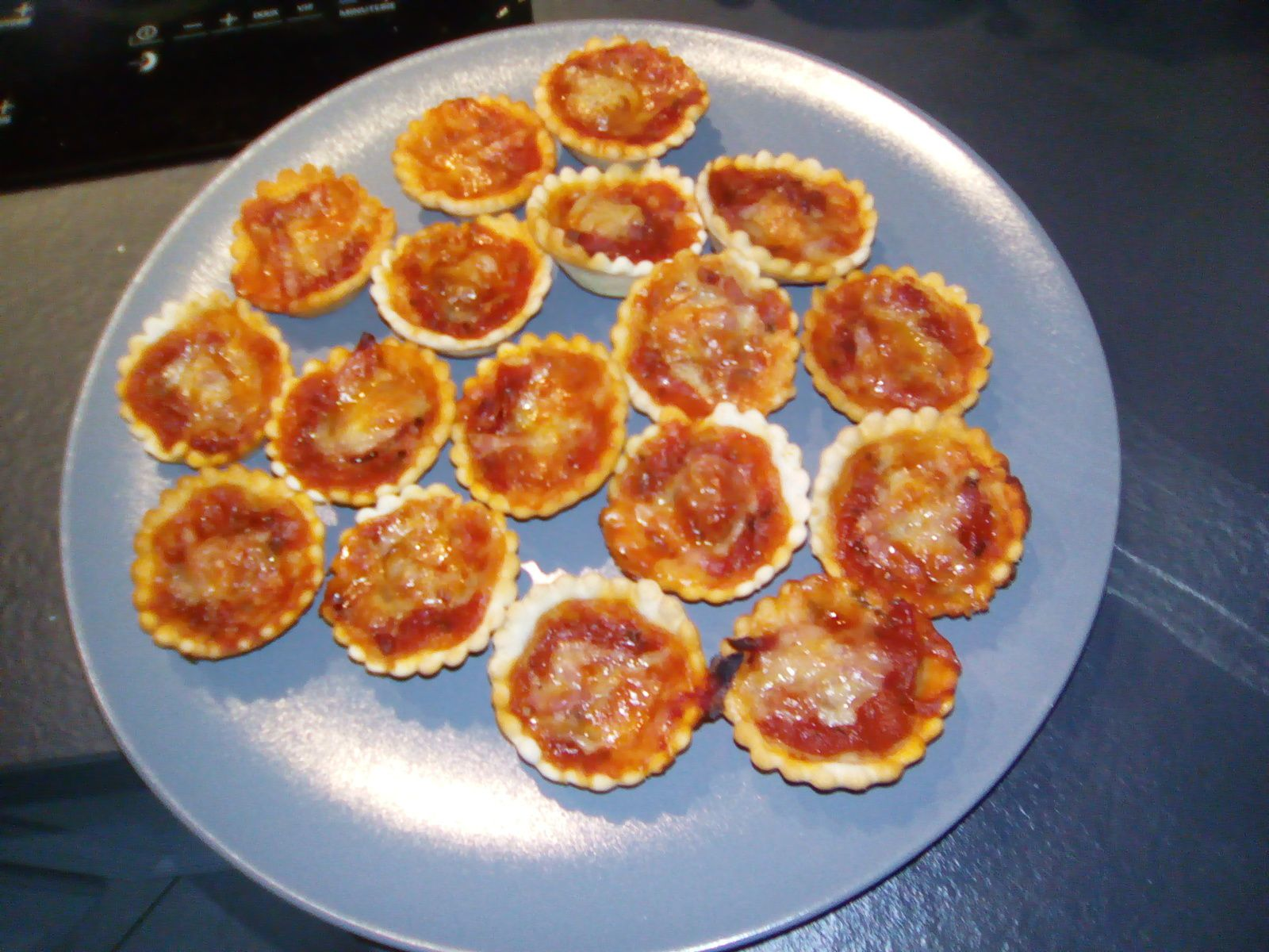 Mini pizzas ap ritives avec la philips pasta maker mes for Cookeo ou multicuiseur philips